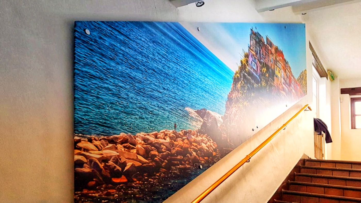 Large Format Digitally Printed Graphics Are The Perfect Opportunity To Display Amazing Photo Quality Images Which Wont Fail Make A Lasting Impression